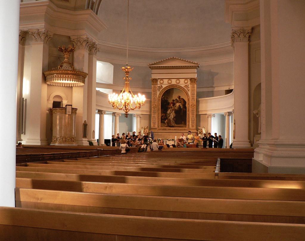Внутренне убранство кафедрального собора Хельсинки