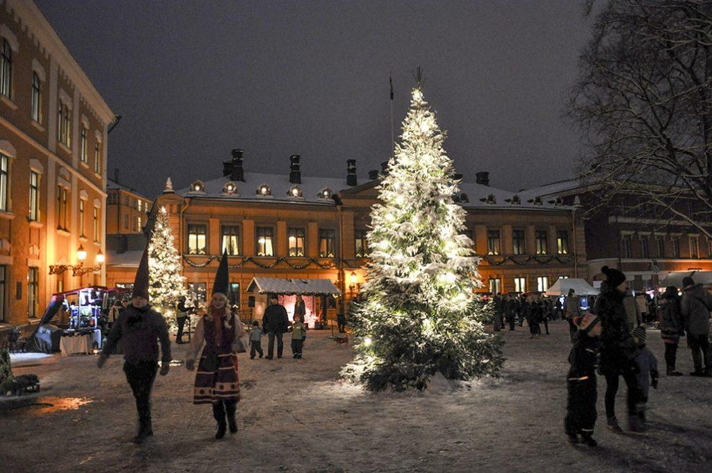 Рождественский рынок на Старой площади Турку. Фото: Eeva Maija Haukka