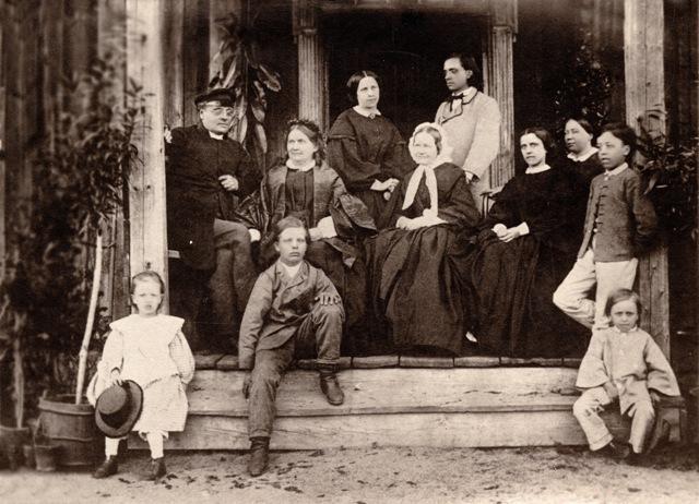 Йохан Рунеберг с семьей